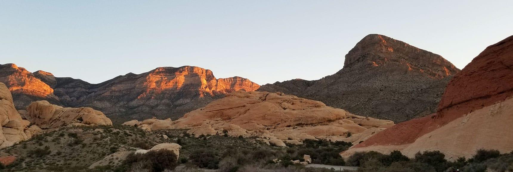 La Madre Mountain Sunrise, Red Rock Park, Nevada