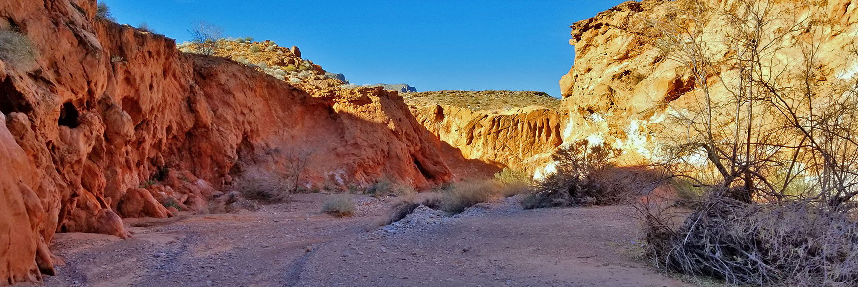 Navigating the Red Rock Canyon on Charlie's Spring Trail, Valley of Fire State Park, Nevada