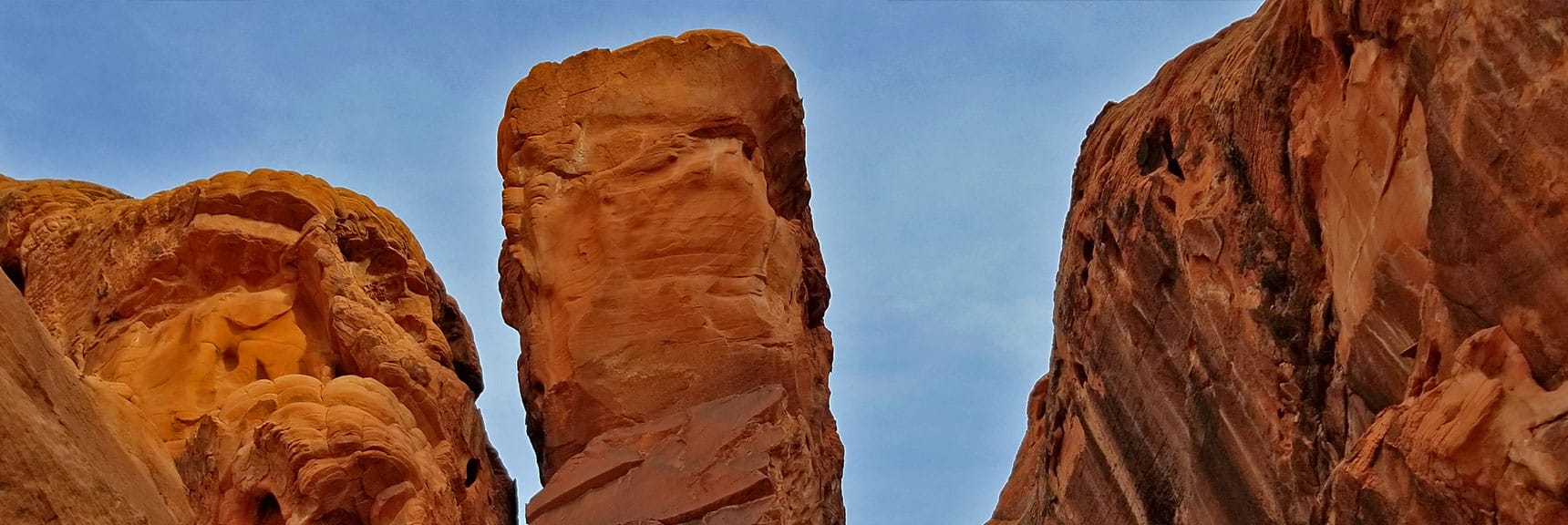 This Huge Pinnacle Was Balanced Impossibly in Fire Canyon in Valley of Fire State Park, Nevada