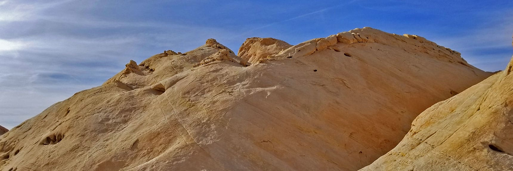Rounding and Exploring Silica Dome in Valley of Fire State Park, Nevada