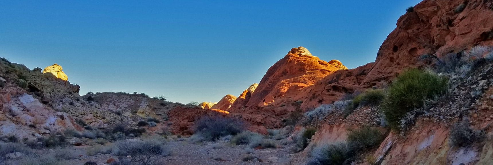 White Domes Coming into View on Prospect Trail in Valley of Fire State Park, Nevada