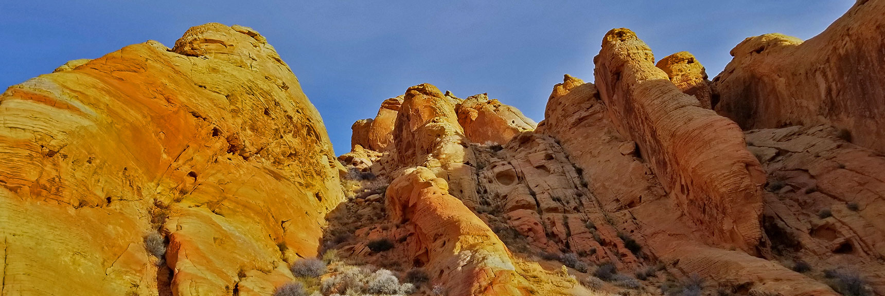 Rock Formations Along Rainbow Vista Trail in Valley of Fire State Park, Nevada