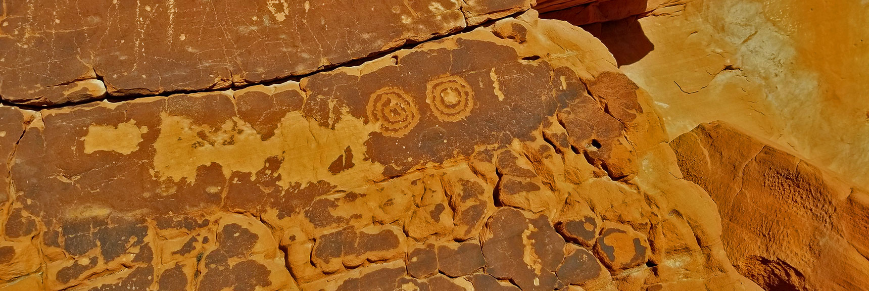 Petroglyphs or Graffiti at the Rainbow Vista Trailhead in Valley of Fire State Park, Nevada?