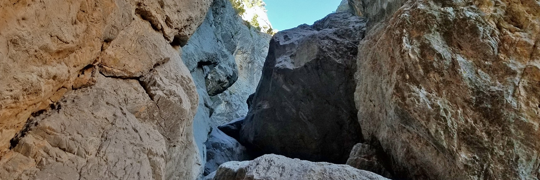 Main Climbing Crack Above Robbers Roost Trail | Robbers Roost and Beyond | Spring Mountains, Nevada