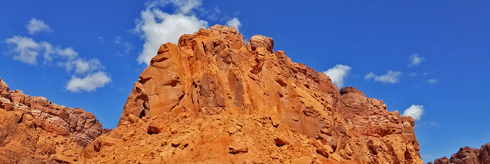 Huge Central Cliff Rock in the Northern Bowl of Fire   Northern Bowl of Fire   Lake Mead National Recreation Area, Nevada